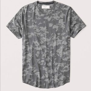 Express curved hem pattern tee